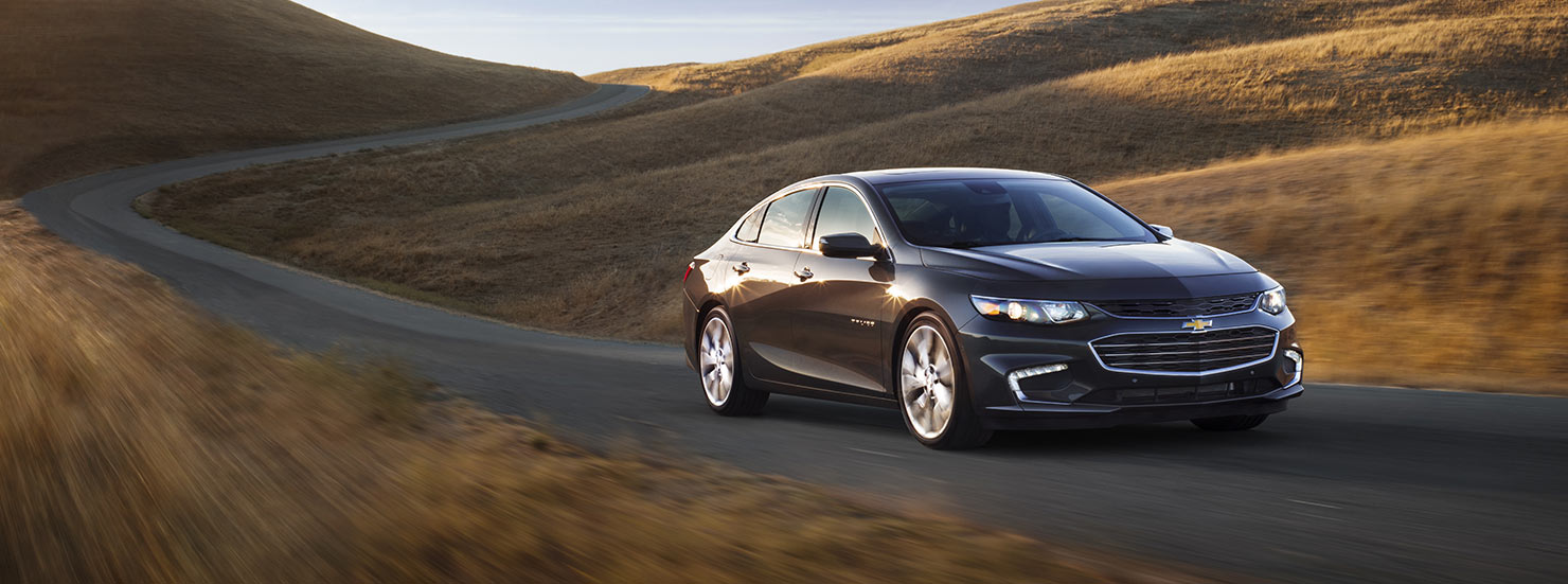 2017 chevrolet malibu mid size sedan mo intro 1480x551 02